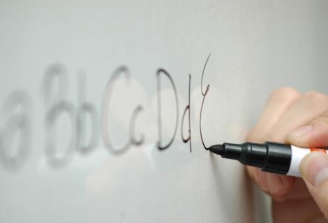 Selbstklebende magnetische Whiteboardfolie_110x80cm Beige